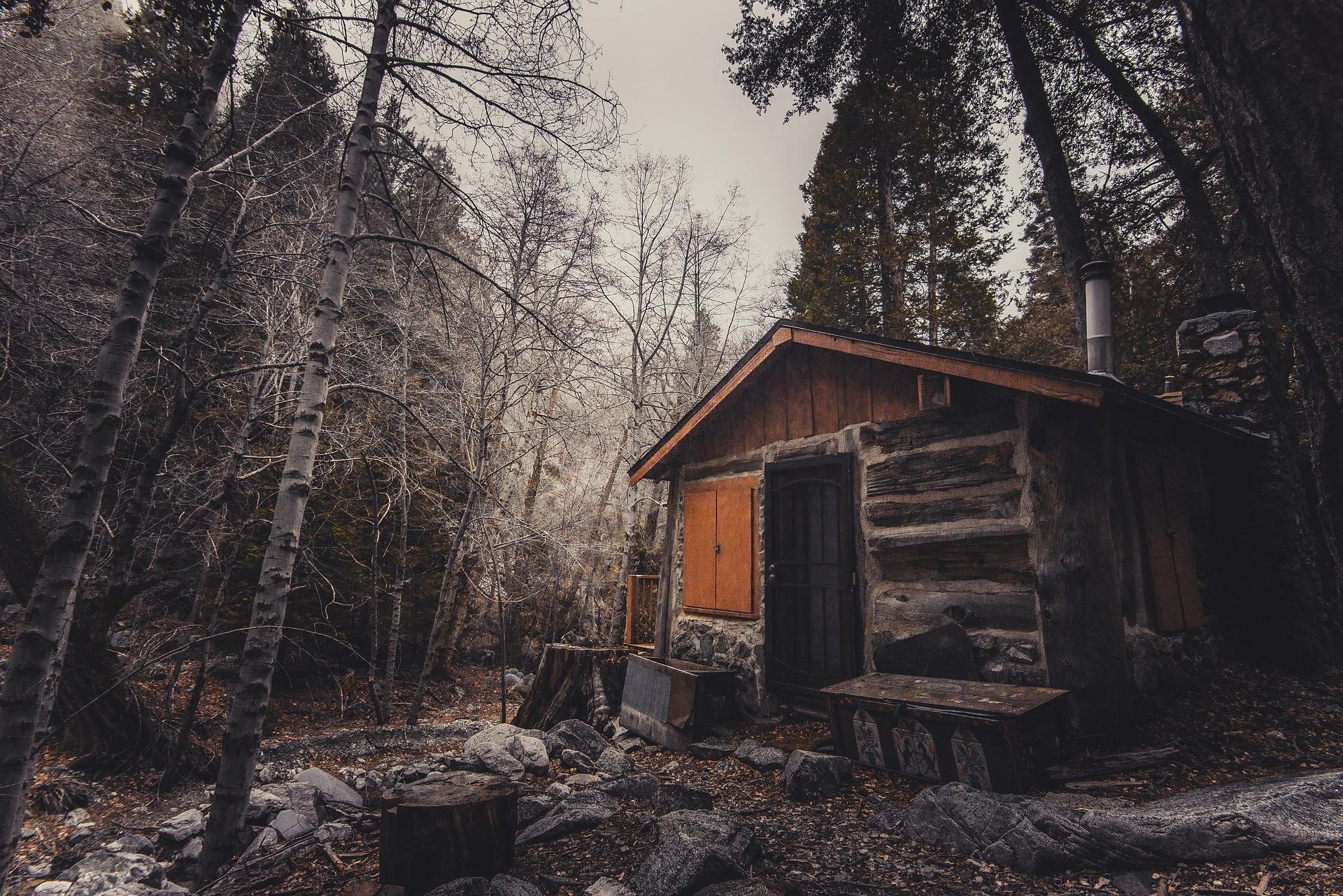 abandoned-2562236_1920