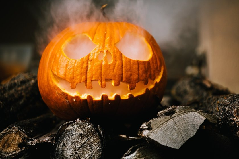 halloween-2905531_1920