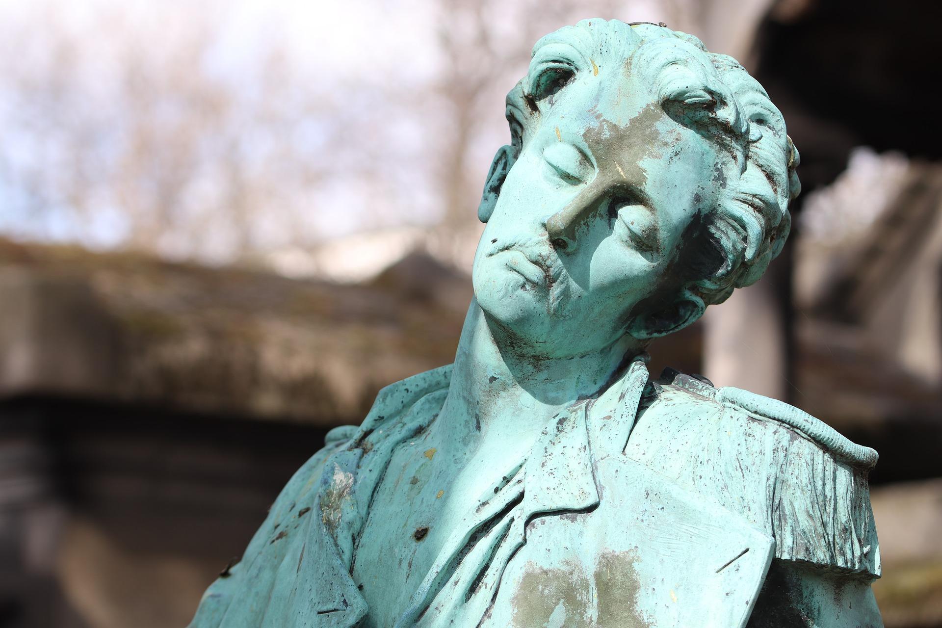 statue-4080981_1920